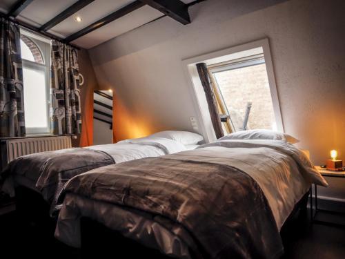 Top bedroom 2nd floor