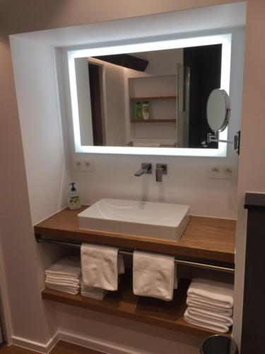 Renovated bathroom (2019)